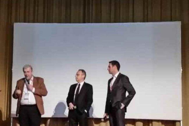 De gauche à droite: Les trois présidents des clubs d'utilisateurs de solutions Oracle, Jean-Jacques Camps (AUFO), Jean-Luc Santerre (Club Peoplesoft) et Vincent Brillot (Club JDEdward).