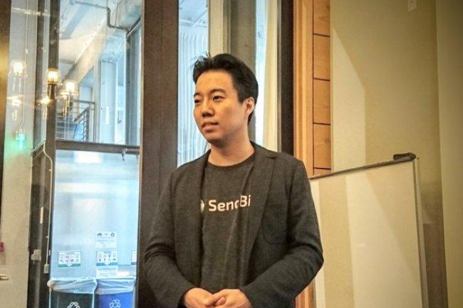 Après l'éditeur de jeux vidéos Paprika Labs, John Kim a lancé SendBird pour apporter aux développeurs une plate-forme de tchat clef en mains.