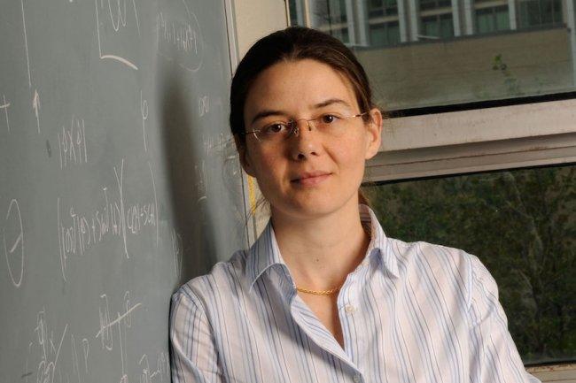 Paola Cappellaro est à la tête du MIT Quantum Engineering Group qui travaille sur les ordinateurs quantiques. (Crédit: Research Laboratory of Electronics)