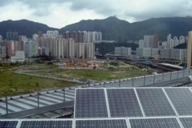 La prochaine génération de panneaux solaires pourrait produire de l'électricité au contact de la pluie. (crédit : D.R.)