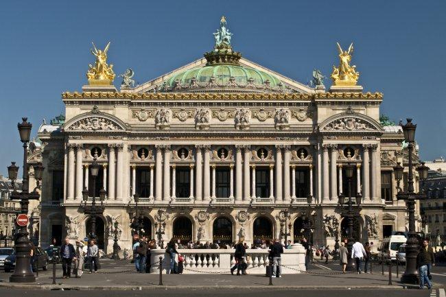 Sous la pression d'une nouvelle règlementation, l'Opéra de Paris change d'ERP.