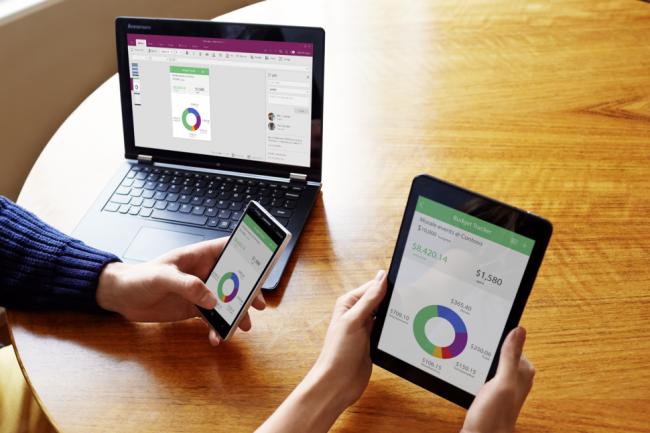Les applications créées avec PowerApps  peuvent extraire des données à partir de sources multiples, dont Dropbox, OneDrive, Dynamics CRM et SharePoint Online.
