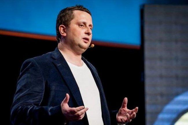 Pour développer son activité d'hébergement cloud dans le monde entier, en particulier aux Etats-Unis, Octave Klaba, CTO d'OVH, accueille des investisseurs. (crédit : D.R.)