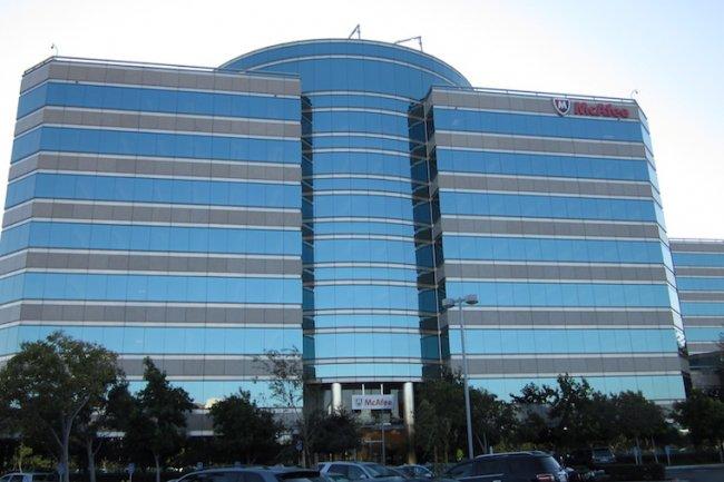 Intel envisage une cession totale ou partielle de ses activités sécurité pour se concentrer sur les solutions cloud et IoT. (Crédit D.R.)