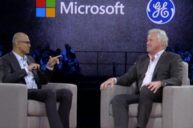 Le CEO de Microsoft Satya Nadella et Jeffrey Immelt le CEO de General Electric réunis ensemble sur la scène de la WPC 2016 à Toronto le 11 juillet. (crédit : D.R.)
