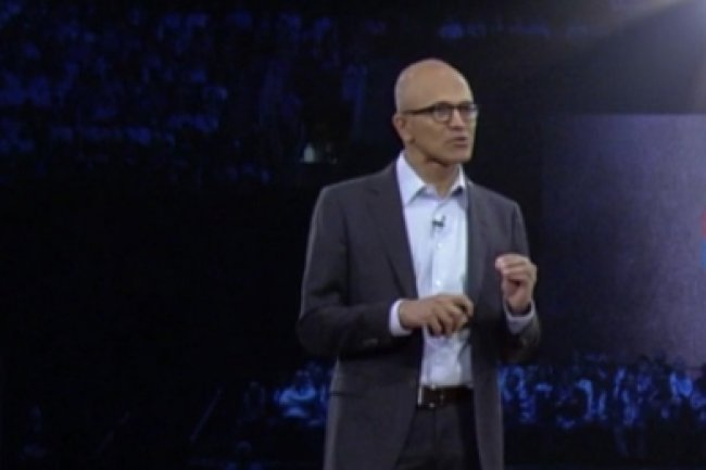 Satya Nadella, CEO de Microsoft, sur la scène de la WPC 2016