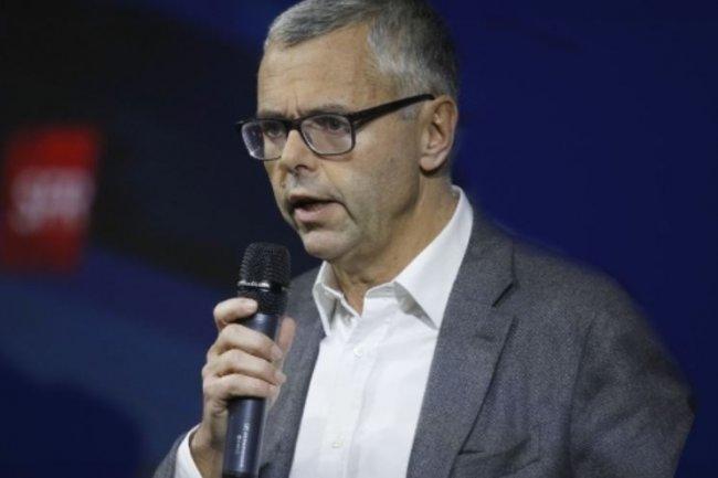 Michel Combes, PDG de SFR, sera reçu par le 2 août par la ministre du Travail Myriam El Khomri suite à l'annonce d'un vaste plan de réduction d'effectifs. Crédit: D.R