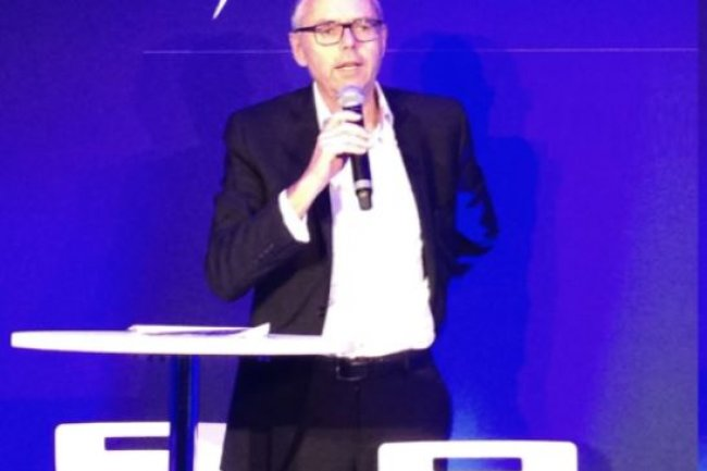 Michel Combes, PDG de SFR, propose un plan de 5 000 départs volontaires sur un effectif total de 14 300 personnes. Crédit: D.R.