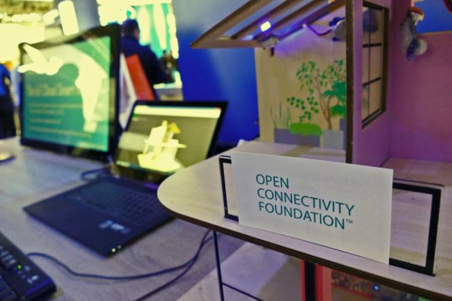 En février dernier, l'Open Connectivity Foundation présentait un modèle de maison connectée (ci-dessus), au Mobile World Congress 2016 de Barcelone. (Crédit : Stephen Lawson/IDGNS)