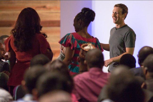 Le patron de Facebook, Mark Zuckerberg, a annoncé le lancement d'un satellite depuis la Floride lors d'un voyage à Laos, au  Nigeria. CRédit: D.R.
