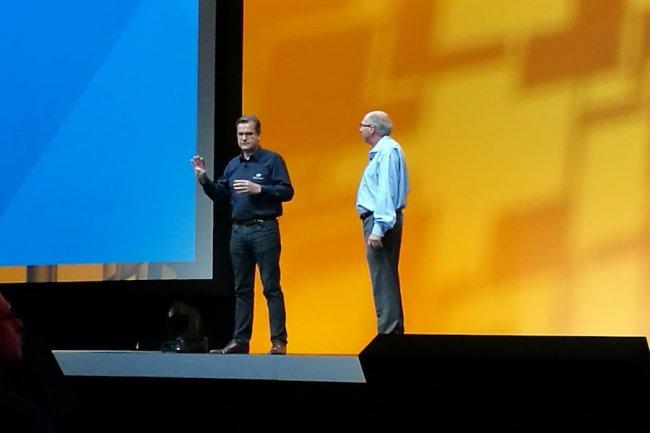 Partenaire clef de VMware en France, Laurent Allard, CEO d'OVH, est monté sur scène au coté de Ray O'Farell, CTO de l'éditeur.