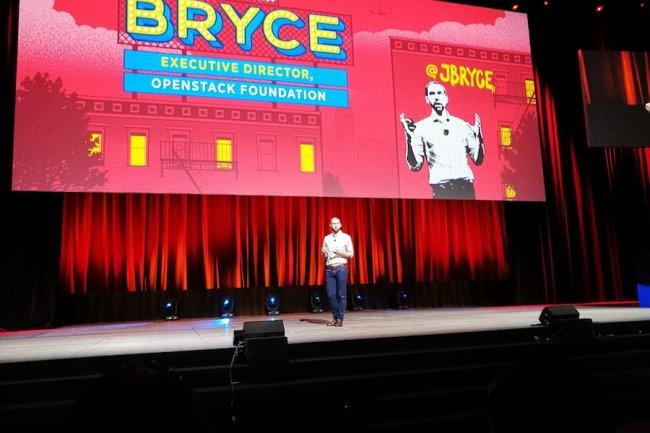Jonathan Bryce, directeur exécutif de la Fondation OpenStack, a mis l'accent sur le multicloud lors de sa keynote à Barcelone.