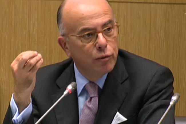 A l'occasion de son audition devant la commission des lois de l'Assemblée nationale, Bernard Cazeneuve a défendu son décret TES qui va faire l'objet d'un débat parlementaire. (crédit : D.R.)