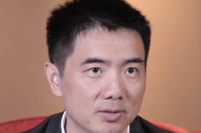 Sicheng Yu, vice-président d'Alibaba Cloud et directeur général d'Alibaba Cloud Global, annonce l'ouverture d'un datacenter en Allemagne. (crédit : D.R.)