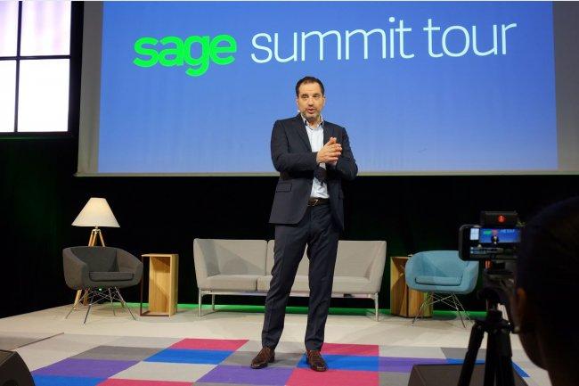 Serge Masliah, directeur général et vice-président exécutif de Sage France, déclare sa flamme aux entrepreneurs français sur Sage Summit Tour, ce matin à Paris.