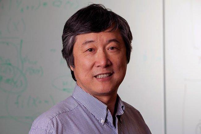 Li Deng, chief scientist du centre de deep learning de Microsoft, explique que les précédents jeux de données présentaient certaines limitations ou contraintes par rapport au jeu gratuit Marco tout juste livré.