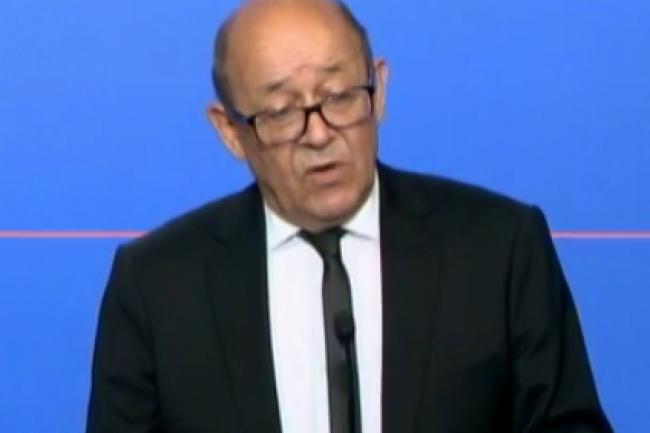 Le ministre de la Défense Jean-Yves Le Drian a annoncé la création en décembre 2016 d'un commandement cyberdéfense. (crédit : D.R.)