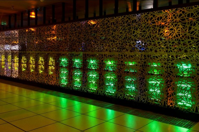 Le supercalculateur livré à l'Institut Pirbright réunit un système HPC Bullx et un serveur Bullion pour les fonctions analytiques avancées. (crédit : D.R.)