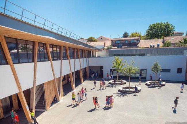 La mairie de Bordeaux doit faire face à une vague d'attaques par ransomware qui a déjà bloqué l'informatique d'une quarantaine d'écoles. (Crédit D.R.)