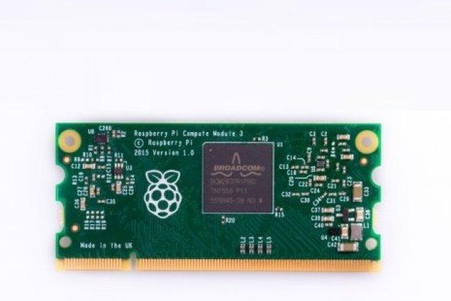 Le Raspberry Pi Compute Module 3 est deux fois plus petit que la mini carte de base.