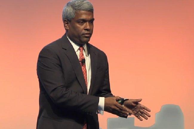 Nettement distancé par AWS, Microsoft ou encore Salesforce, Thomas Kurian, président en charge des produits chez Oracle, entend regagner du terrain sur le marché des services cloud. (Crédit D.R.)