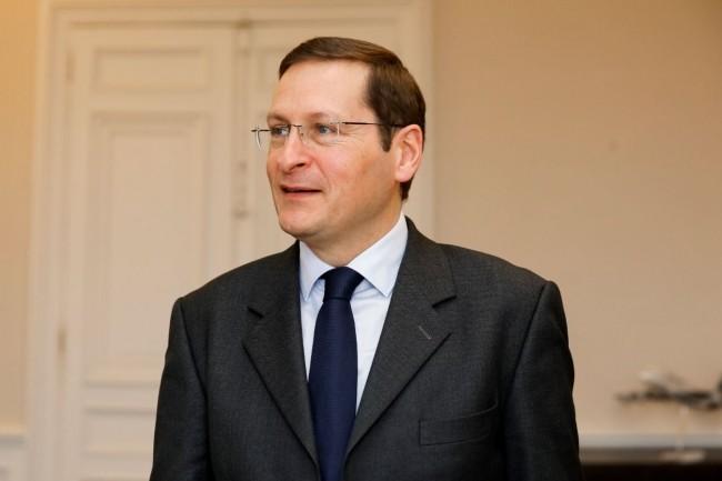 Laurent Garnier, secrétaire général adjoint du ministère des affaires étrangères, va coordonner l'ouverture des données du Quai d'Orsay.