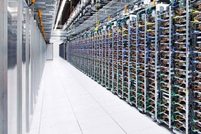 Pour accompagner la montée en puissance du cloud chez ses clients et éviter de les voir partir chez Cisco ou Huawei, Juniper renforce ses offres dans ce secteur clef. (Crédit D.R.)
