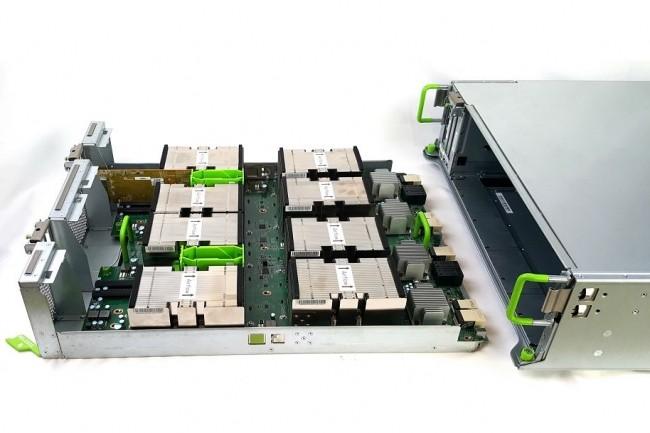 Basé sur les spécifications de l'Open Compute Project, le design de serveur Big Basin de Facebook est rempli de GPU de Nvidia. (crédit : D.R.)