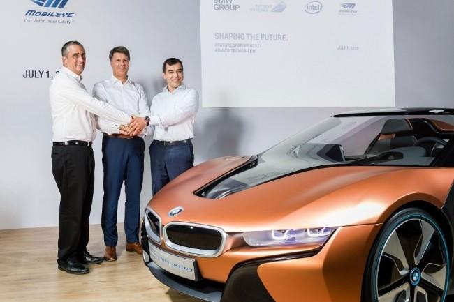 Brian Krzanich (CEO d'Intel), Harald Krueger (CEO de BMW) et Amnon Shashua (co-fondateur et CTO de Mobileye) ont annoncé leur partenariat dans les voitures autonomes.