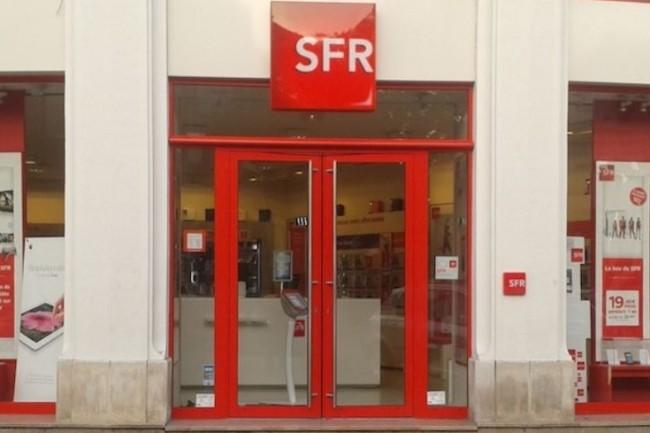 En réponse à Free Mobile, SFR a fait évoluer son forfait Red en lui allouant 15 Go de data à l'étranger dans 3 destinations. (Crédit: D.R.)