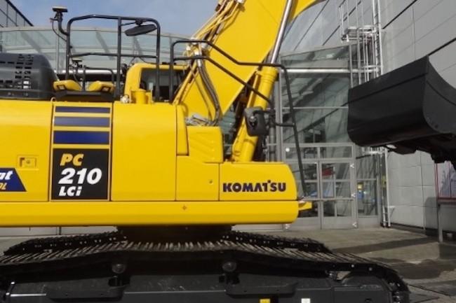 L'excavatrice connectée PC210LCi-11 de Komatsu, présentée au Cebit 2017, compare ses mouvements à une version numérique du projet de construction pour empêcher l'opérateur de creuser à l'extérieur de la zone définie. (Crédit: Komatsu)