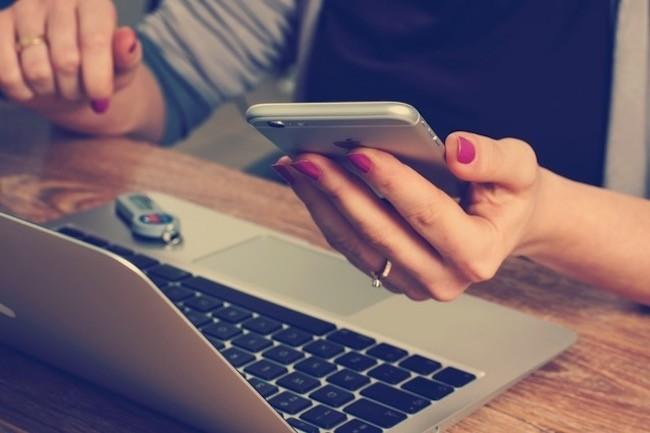 Les data en illimit� sont particuli�rement int�ressantes en mode modem avec le partage de connexion pour utiliser un ordinateur portable quand il n'y a pas de WiFi public. (Cr�dit Pexels)