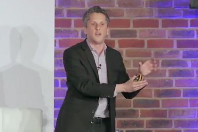 Aaron Levie, sémillant et symathique CEO de Box, toujours très énergique sur la scène du Box World Tour (ici l'édition 2016). crédit : D.R.)