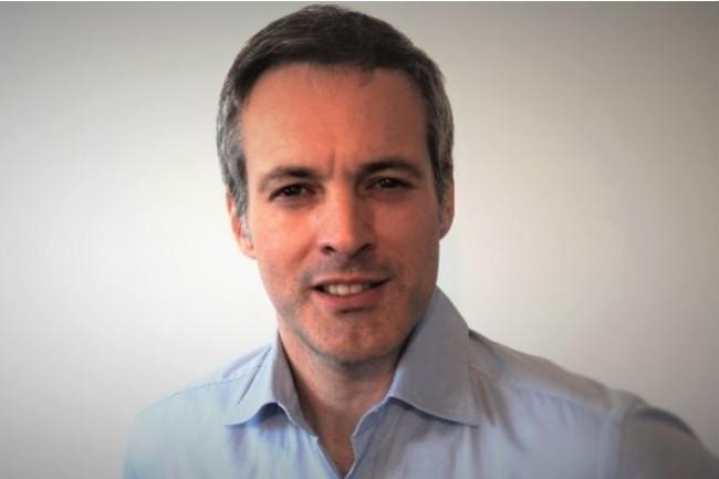 Au cours de sa carrière, Maxime Habert fut directeur marketing pour l'Europe du Sud de BlackBerry.