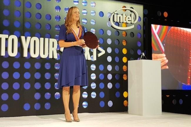 Lisa Spelman, directrice générale en charge de la gamme Xeon et datacenter chez Intel, à Brooklyn pour le lancement des Xeon Scalable. (Crédit S.L.)
