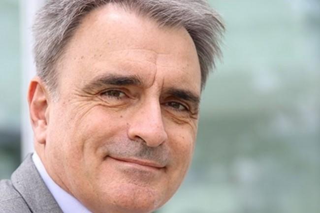 Michel Paulin, directeur général de SFR, verrait bien sa société couvrir 80% du territoire en fibre optique en 2022. (crédit : D.R.)
