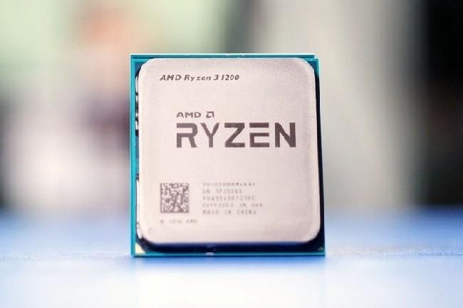 Les puces d'entrée de gamme Ryzen 3 d'AMD sont commercialisées depuis fin juillet.(Crédit D.R.)