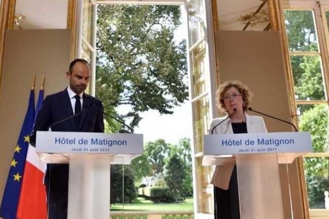 Edouard Philippe (Premier Ministre) et Muriel Pénicaud (Ministre du Travail) ont présenté cinq ordonnances le 31 août 2017. (crédit : D.R.)