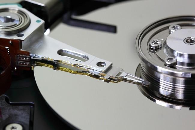 En attendant la riposte de Western Digital/HGST et Seagate, Toshiba a présenté un disque dur à l'hélium d'une capacité de 14 To. (Crédit Toshiba)