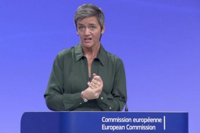 La commissaire à la concurrence de l'Union européenne Margrethe Vestager commente le recours antitrust proposé par Google le 27 septembre 2017. (crédit : D.R.)