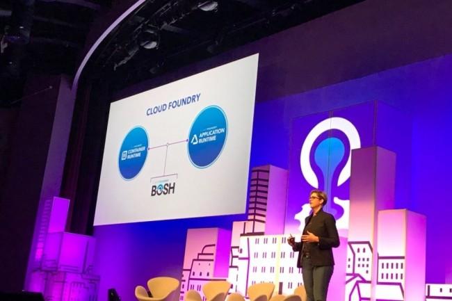 Abby Kearns, directrice exécutive de Cloud Foundry, sur la scène de l'événement Summit Europe 2017 à Bâle mercredi 11. (crédit : D.R.)