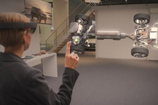 Les usages professionnels du masque de réalité augmentée de Microsoft Hololens commencent à se multiplier. (crédit : Microsoft)