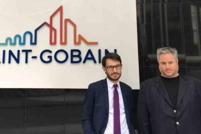 Pierre-Emmanuel Merle (responsable groupe support reporting - à droite) et Pierre-Antoine Faure (responsable du service OpenData4SG - à gauche), de la DSI Groupe de Saint-Gobain ont choisi des technologies d'Open-Data. (crédit : D.R.)