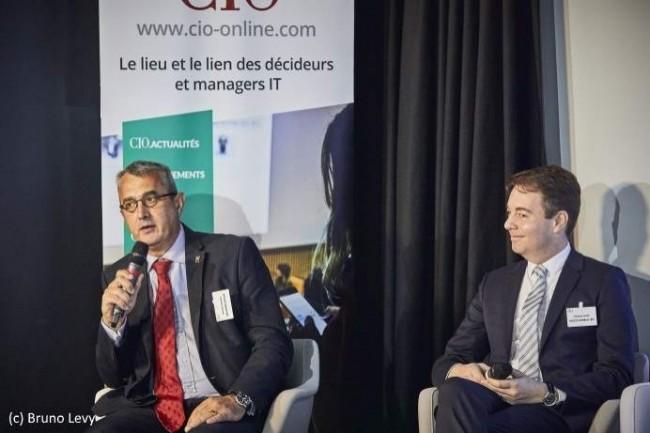 Philippe Loudenot des ministères sociaux, à gauche, et Stéphane Nappo, Société Générale IBFS, à droite, débattent des nouvelles menaces et de leur impact.