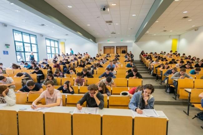 Les étudiants en post prépa souhaitant passer le concours E3A a l'EFrei sont dispensés de frais de dossiers. Crédit. D.R.