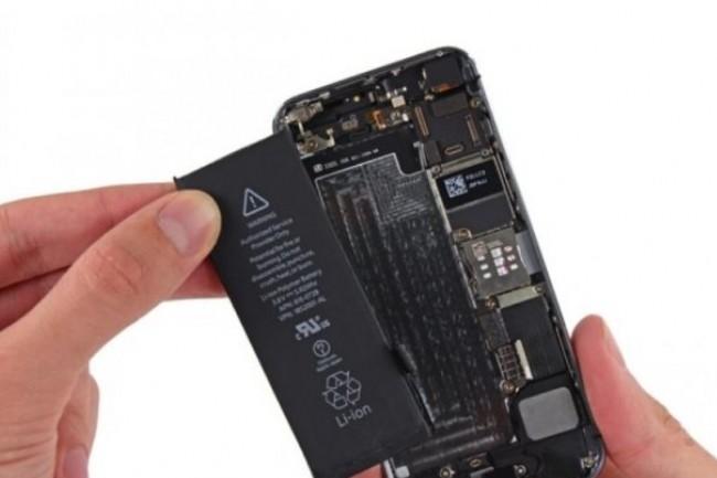 Les propriétaires  d'iPhone 6 et ultérieurs pourront changer leur batterie moyennant 29 euros. (crédit : Apple)
