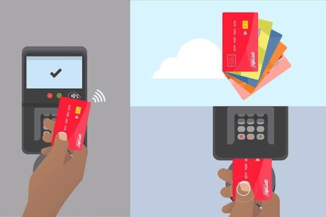 Il est toujours possible d'utiliser un code PIN si le capteur est défaillant ou lorsqu'on retire de l'argent (Crédit : Gemalto).