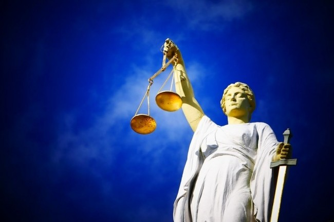 Expedia pourrait bien trouver un arrangement dans l'affaire qui l'oppose à IBM pour violation de brevets, comme cela a été le cas fin décembre avec Priceline.com. (crédit : Ajel / Pixabay)