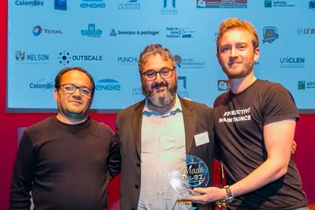 Ahmed Drif (à gauche) et Guillaume Le Vézouët (à droite), fondateurs de la start-up Connect Your Machine aux côtés de Laurent Seror (au milieu), directeur général et fondateur d'Outscale, lors de la remise du prix Scaledome en partenariat avec la CCI 92. (crédit : D.R.)