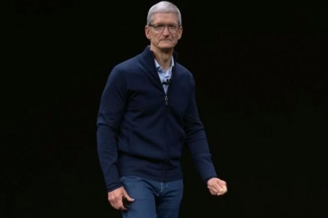 Pris dans la tempête des tensions internes, des développements précipités et d'une concurrence toujours plus exacerbée, le CEO d'Apple, Tim Cook, doit coûte que coûte maintenir le cap. (crédit : D.R.)